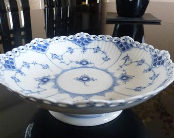 """Royal Copenhagen Blue Fluted Full Lace 7"""" Footed Compote 1023 Denmark"""