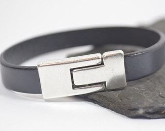 Men's Brain Cancer Awareness Bracelet - Gray 10mm Flat European Leather Bracelet with Antique Silver Magnetic Toggle Clasp (10-229)