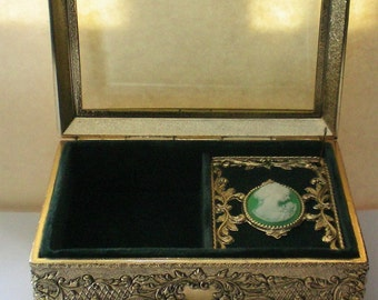 Jewelry or Trinket Vanity Music Box with Framed Cameo Portrait - 5213