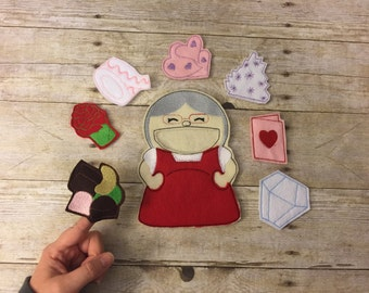 Old Lady Valentine Finger Puppets