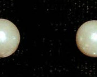 Style # 9588E - 6mm Simulated Ivory Pearl Earring - Post