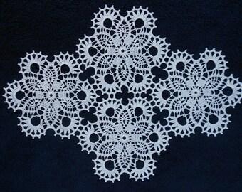 Handmade Crochet Cotton rectangular Doily 21,5''x16'' (54,5cmx40,5 cm)