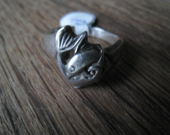 Vintage Sterling Silver Sea Animal Playing Dolphins Ring 7.75 (187)