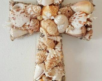 Seashell Cross -Natural