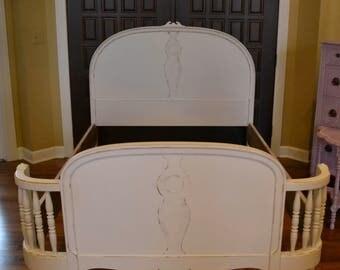 Bed/Full Vintage white Bed/ spindled curved footboard