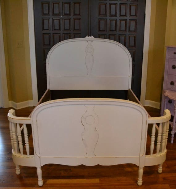 Bed Full Vintage White Bed Spindled Curved Footboard