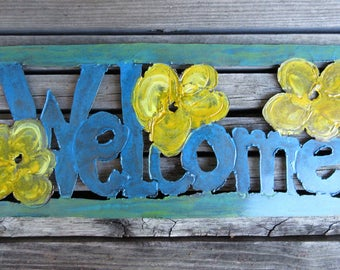 Welcome Sign -- Metal, Distressed, Shabby Chic, Cottage Style, Beach Style