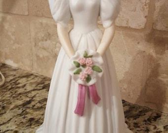 """Vintage Enesco Bride with music box plays """"Wedding March"""" 1996"""
