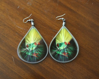 Woven Earrings with Tree Frog Design