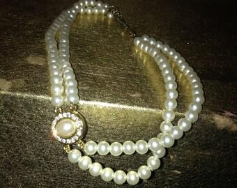 Vtg 60's RETRO faux white pearls and rhinestones necklace choker M