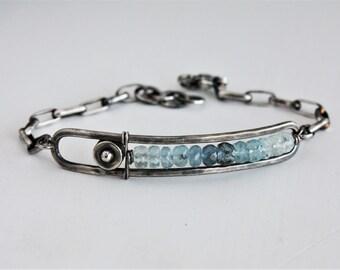 Ombre aquamarine bracelet, aquamarine bar bracelet, sterling silver gemstone bracelet, artisan jewelry, heavy sterling silver chain