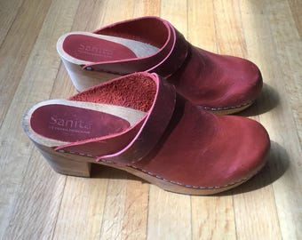 Women's leather Sanita wooden clogs. Size 38