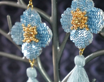 Earrings flower-shaped cabochon beads sequins