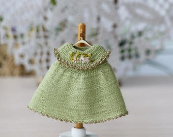 4 inches baby doll knitted green  dress. Mini doll dress. Suitable for 4-5 inch doll. Knitted green dress for doll. Creativhook