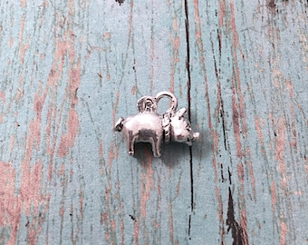Small piggy bank charm 3D silver plated pewter (1 piece) - piggy bank pendant, pig charm, toy charm, bank charm, pig pendant, KK15