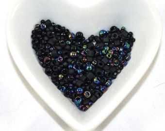 Toho beads mix Borraku black (10)