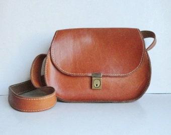 70s Vintage Tan Leather Bag // Shoulder Bag