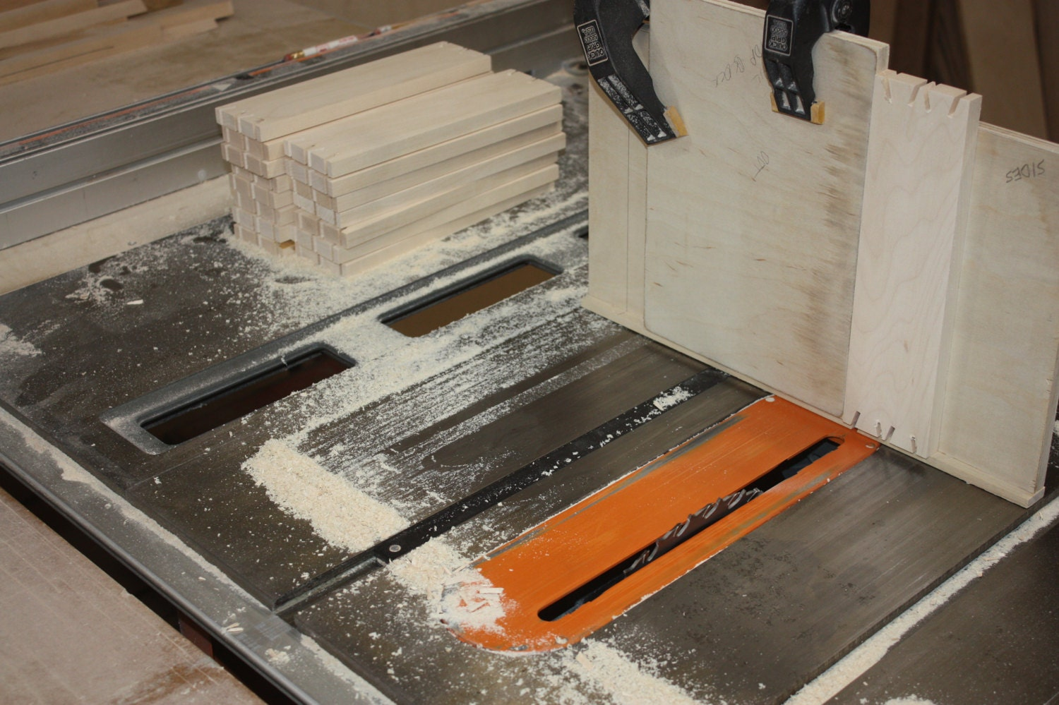 Cutting Dovetails on a Tablesaw