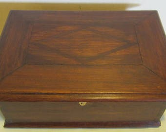 Antique French art deco jewelry or sewing box, with original lock and key, France; ca 1920