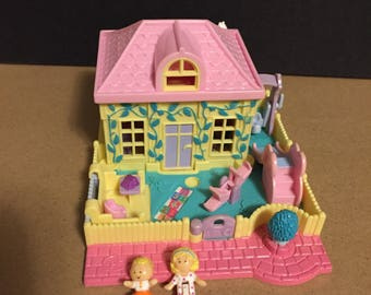 1994 Bluebird Polly Pocket nursery school 2 dolls