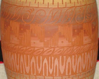 Native American Navajo Pottery Vase Signed 9 1/2 X 5 1/2 Inches