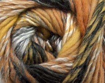 Lot 4 Skeins  Wool Yarn,  Self Striping Yarn,  Gradient Yarn, Black, Cream, Striping Yarn, Multicolored Knitting Yarn, Worsted Wool Blend