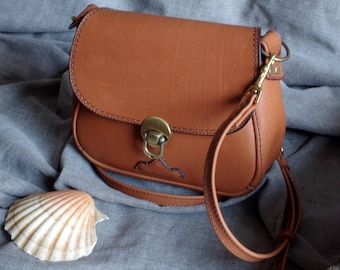 Shoulder bag in natural calf leather ocre