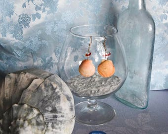 Orange Scallops with Yellow, Red and Blue Ribbon Glass Cube Beads