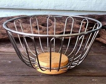 Wire and Wood Kitchen Fruit Basket