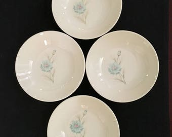 Taylor Smith and Taylor Boutonnière Berry Bowls 4 Pc