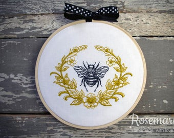 "Embroidered Black Bumble Bee with Gold Laurel 5"" Embroidery Hoop"