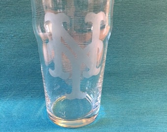 Set of 4 New York Mets Etched Pub Glasses