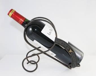 Vintage Bordeaux winebottle cradle