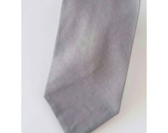 Grey skinny necktie; Silver Grey necktie
