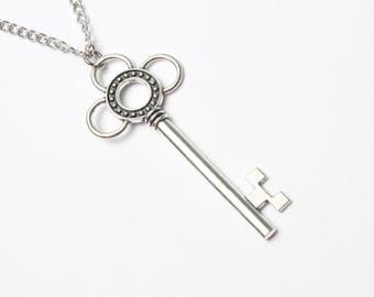 Silver Key Necklace Skeleton Key Victorian Silver Necklace Key Jewelry Charm Necklace Fantasy Vintage Like Key