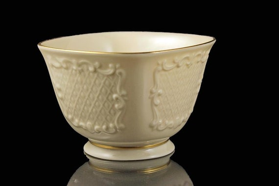 Lenox, Footed Square Bowl, Canterbury Pattern, 24K Gold Trim, Discontinued, Candy Dish,  Nut Bowl, Giftware