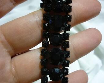 C22 Vintage Weiss Black Rhinestone Bracelet.