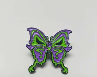 Riddlefly  pin
