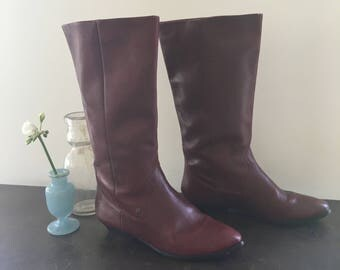 Vintage 70s-80s Etienne Aigner Burgundy Oxblood Leather Slouchy Low Heeled Boots / Man Made Soles / Made in Brazil / Women's Size 7.5 Medium