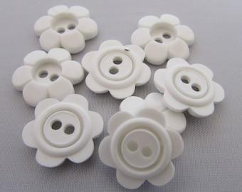 11mm White Daisy Flower Buttons
