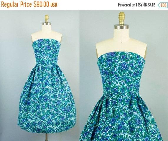 SALE 15% STOREWIDE 1950s strapless floral dress/ 50s shelf bust blue sundress/ small