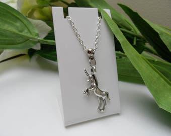 Unicorn Necklace, Childs necklace, kids necklace, Girls necklace, Unicorn Party Favors, Unicorn pendants, necklace party favors