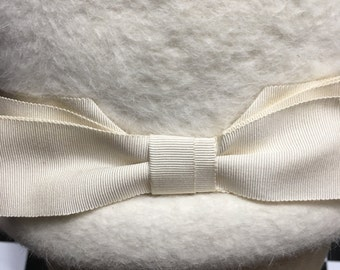 Vintage 50s White Hat by Gene Doris // Splendid White on White Chapeau with Cute White Bow and Ribbon Hat Band // Great for Winter Weddin