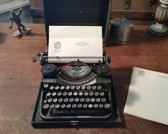 1928 Vintage Underwood Standard Four Bank Portable Typewriter with Red