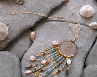 """Necklace """"NATIVE AMERICAN Dreamcatcher"""" Apatite nuggets, Cowrie shells, Serpentine beads, Aventurine beads, Facetted beads"""