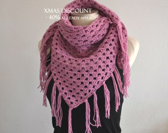 Triangle scarf with fringe, fringed scarf crochet crochet scarf with fringe, lavender scarf, crochet cowl