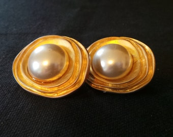 SALE Vintage Large Gold Pearl Swirls Button Clip On Earrings