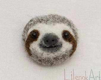 Cute sloth pin, sloth badge, felt sloth gifts for her, sloth button, sloth brooch, sloth jewelry, funny badge, funny sloth accessories, MTO