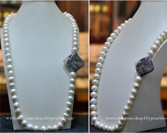 Big chunky pearl necklace, simple necklace, irregular pearl necklace,daily accessory,characteristic pearl necklace