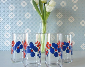 Four Vintage Lemonade Glasses with Red and Blue Floral Retro Design